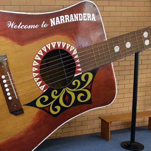 narrandera big guitar by jason richardson